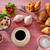 taza · té · frescos · croissant · mesa · de · madera · desayuno - foto stock © lunamarina