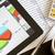 デジタル · タブレット · チャート · 現代 · 職場 - ストックフォト © manaemedia