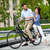 fiatal · pér · ül · bicikli · ellenkező · zöld · város - stock fotó © master1305
