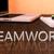 lavoro · di · squadra · legno · desk · primo · piano · imprenditrice · mano - foto d'archivio © mazirama