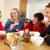семьи · еды · завтрак · вместе · кухне · девушки - Сток-фото © monkey_business