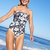 старший · женщину · купальник · пляж · девушки · улыбка - Сток-фото © monkey_business