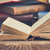 kitaplık · kitaplar · açmak · eski · kitap · ahşap - stok fotoğraf © neirfy