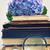 velho · livros · flores · olhando · vidro · vintage - foto stock © neirfy
