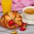 śniadanie · kawy · rogaliki · koszyka · tabeli · pomarańczowy - zdjęcia stock © neirfy