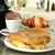 café · croissant · mesa · de · madeira · prato · copo - foto stock © nito
