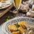 詰まった · 鶏の胸肉 · ジャガイモ · キノコ · ソース · ディナー - ストックフォト © peteer