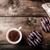 ドーナツ · 紙袋 · 木製のテーブル · 先頭 · 表示 · コピースペース - ストックフォト © peteer