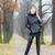 女性 · 着用 · 黒 · 服 · ブーツ - ストックフォト © phbcz