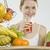 kobieta · śniadanie · owoców · młodych · jedzenie · młodzieży - zdjęcia stock © phbcz