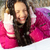 gelukkig · vrouw · sneeuwval · blonde · vrouw · lopen · handen - stockfoto © pressmaster