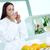 potable · té · de · hierbas · tratamiento · de · spa · sesión - foto stock © pressmaster