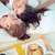 familie · genieten · ontbijt · bed · kinderen · vrouwen - stockfoto © pressmaster