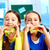 女の子 · 食べ · 学校 · ランチ - ストックフォト © pressmaster