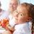 mutlu · küçük · kız · çocuk · elma · bakıyor - stok fotoğraf © pressmaster