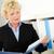 lezing · papier · portret · zakenvrouw · kantoor - stockfoto © pressmaster