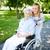 lopen · uit · vrouwelijke · verzorger · senior · patiënt - stockfoto © pressmaster