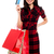 若い女性 · ショッピングバッグ · クレジットカード · 女性 - ストックフォト © stockyimages