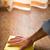 piso · de · madeira · limpeza · masculino · mão · madeira - foto stock © stokkete
