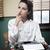 pensativo · secretário · máquina · de · escrever · vintage · mulher · mão - foto stock © stokkete