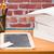 デスク · 学用品 · レンガの壁 · 図書 · 図書 · 学校 - ストックフォト © Studio_3321