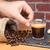 カップ · コーヒー · 手 · レンガの壁 · 男 - ストックフォト © Studio_3321