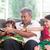 famiglia · guardare · tv · felice · indian · insieme - foto d'archivio © szefei