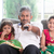guardare · tv · felice · indian · famiglia · insieme - foto d'archivio © szefei