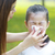 女の子 · 鼻をかむ · 母親 · 支援 · 娘 - ストックフォト © szefei