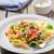 イタリア語 · パスタ · サラダ · マグロ · ソース · フォーク - ストックフォト © trexec