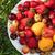 白 · プレート · 赤 · ピーマン · 緑の草 · 自然 - ストックフォト © user_11056481