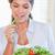 肖像 · 健康 · 女性 · 食べ · サラダ · キッチン - ストックフォト © wavebreak_media