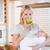 jóvenes · madre · recién · nacido · armas · manzana · alimentos - foto stock © wavebreak_media
