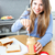 positivo · mulher · café · da · manhã · alimentação · manteiga · de · amendoim · comida - foto stock © wavebreak_media
