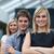 mooie · zakenvrouw · leidend · team · gevouwen · armen - stockfoto © wavebreak_media