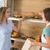 女性 · 立って · カウンタ · レストラン · 顧客 - ストックフォト © wavebreak_media