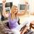 mujer · sesión · sofá · de · trabajo · portátil - foto stock © wavebreak_media