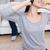 genç · kadın · kulaklık · halı · adam · arkasında · kanepe - stok fotoğraf © wavebreak_media