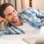 男 · スマートフォン · ベッド · 魅力的な · 若い男 · 白 - ストックフォト © wavebreak_media