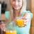 jonge · vrouw · glas · sinaasappelsap · gezonde · ontbijt - stockfoto © wavebreak_media