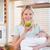 jóvenes · madre · bebé · armas · manzana · alimentos - foto stock © wavebreak_media