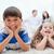 jeunes · enfants · tapis · parents · séance · derrière - photo stock © wavebreak_media