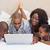 baba · çocuk · dizüstü · bilgisayar · kullanıyorsanız · birlikte · yatak · Internet - stok fotoğraf © wavebreak_media