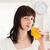 csinos · barna · hajú · pohár · narancslé · áll · konyha - stock fotó © wavebreak_media