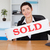 szczęśliwy · sprzedany · płyta · biuro · domu - zdjęcia stock © wavebreak_media