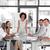 女性 · ビジネス女性 · プレゼンテーション · ビジネスマン · モニター · スーツ - ストックフォト © wavebreak_media