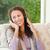 vrouw · luisteren · naar · muziek · muziek · glimlach · gelukkig · leuk - stockfoto © wavebreak_media