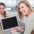 szczęśliwy · matka · za · pomocą · laptopa · córka · domu · kuchnia - zdjęcia stock © wavebreak_media