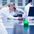 科学 · 学生 · 作業 · 顕微鏡 · ラボ · 大学 - ストックフォト © wavebreak_media