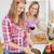vrienden · koken · keuken · vrouwen · drinken - stockfoto © wavebreak_media
